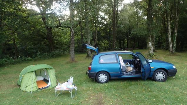 Camping at Dinas campsite