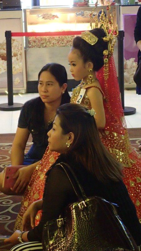 Thai fashion show for children